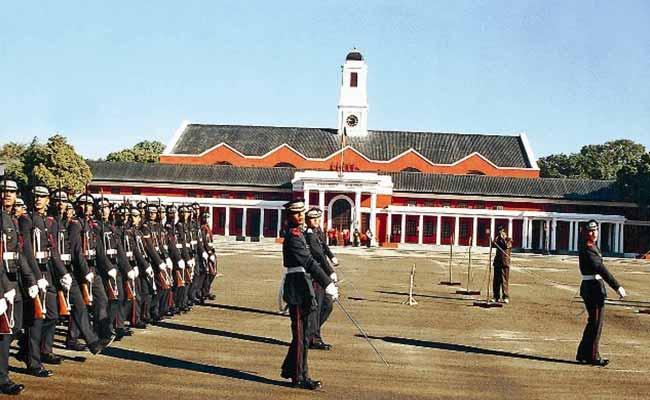 देश की सेवा का है जज्बा, तो क्यों न किया जाए इंडियन आर्मी का रुख...