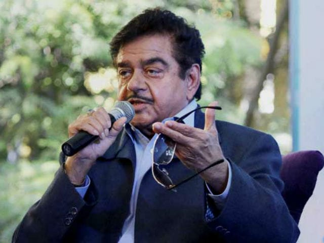 Shatrughan Sinha: It is Childish of Bollywood to Speak of 'Intolerance'