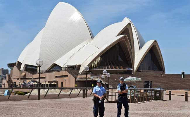 Sydney Opera House Gas Leak Triggers Evacuation Of 500 People