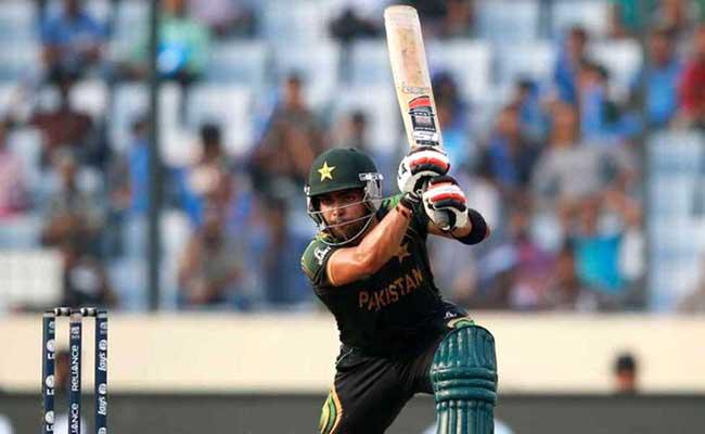 नहीं सुधरे पाकिस्तानी खिलाड़ी उमर अकमल, लगा 1 मैच का बैन