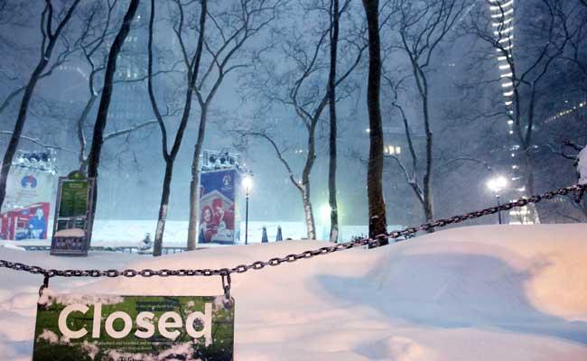 2 Dead, Over 1,600 Flights Grounded, Schools Shut In Snowstorm Across US Midwest