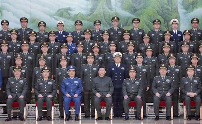 Xi Jinping Revamps Military Headquarters, Tightens Controls over Chinese Army