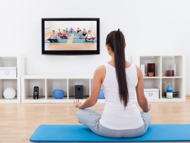 फिटनेस डीवीडी देखकर व्यायाम करना हो सकता है नुकसानदेह