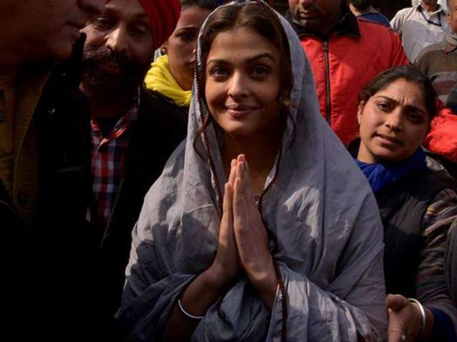 Aishwarya Rai Shoots For Sarbjit at a Gurudwara. See Pics Here