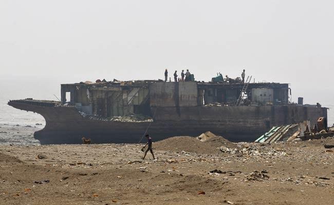 एशिया का सबसे बड़ा शिप ब्रेकिंग यार्ड अलंग, कभी यहां होते थे दर्जनों जहाज, अब है सन्नाटा
