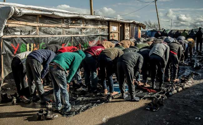 D-Day for Calais 'Jungle' camp clearance - news.yahoo.com