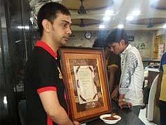 मुन्ना भाई की रिहाई पर 'चिकन संजू बाबा' मुफ़्त! मुंबई के एक होटल ने किया ऐलान