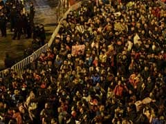 100,000 People Stranded At One- Yes, One -Railway Station