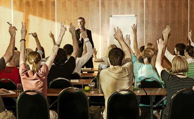 Teachers In US' Colorado Trained To Carry Guns In Classrooms