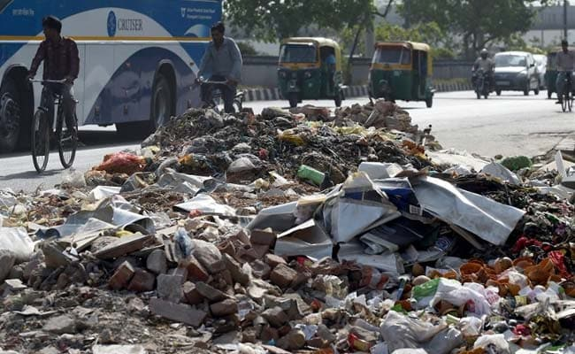 East Delhi Sanitation Workers On Indefinite Strike Just Before Diwali