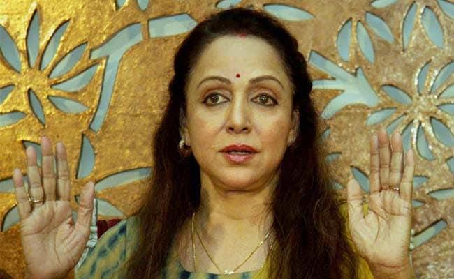 प्रत्यूषा की खुदकुशी के बाद 'असंवेदनशील' ट्वीट कर मीडिया के निशाने पर आईं हेमा मालिनी