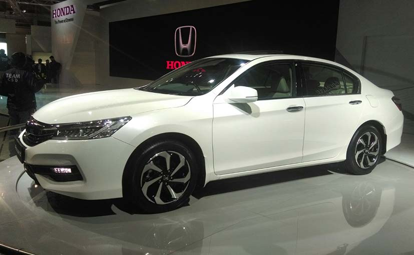 Auto Expo 2016 Honda Accord Hybrid Showcased