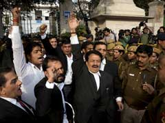 At JNU Court Hearing, Students, Media Attacked, They Say Cops Just Watched