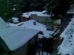 Cold Wave Intensifies In Kashmir, Gulmarg Records -7.2 Degree Celsius