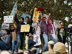 JNU Students Call Off Hunger Strike, Protest Continue Outside Police Headquarters