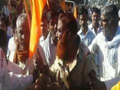 लातूर में मुस्लिम पुलिसकर्मी को पीटे जाने का वीडियो हुआ वायरल, सीएम का रुख सख्त