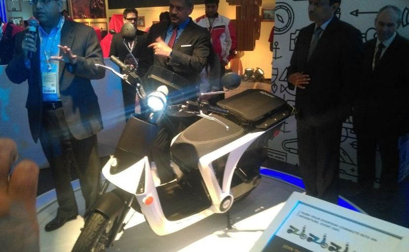 Auto Expo 2016: Mahindra GenZe 2.0 Electric Scooter Showcased