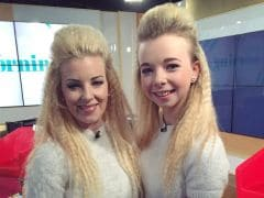 Mom and Daughter Think No One Can Tell Them Apart. Sorry, Twitter Can