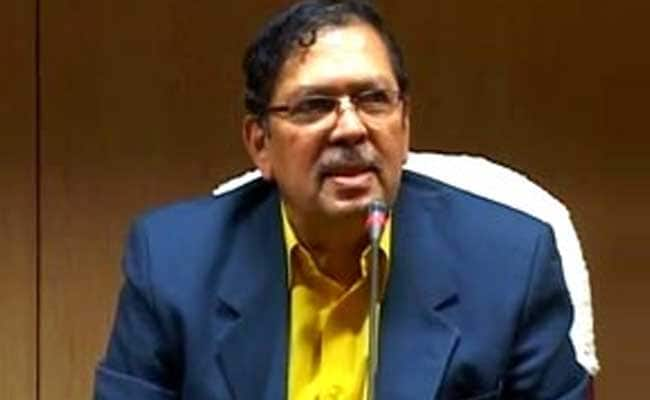 Santosh Hegde Moots For Embargo On Frivolous Cases In Courts