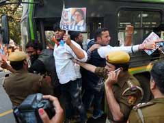 Congress Students Union NSUI Protests Outside Smriti Irani's Residence