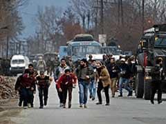 4 Dead, 9 Injured As Terrorists Strike Near Srinagar, Stand-Off Continues