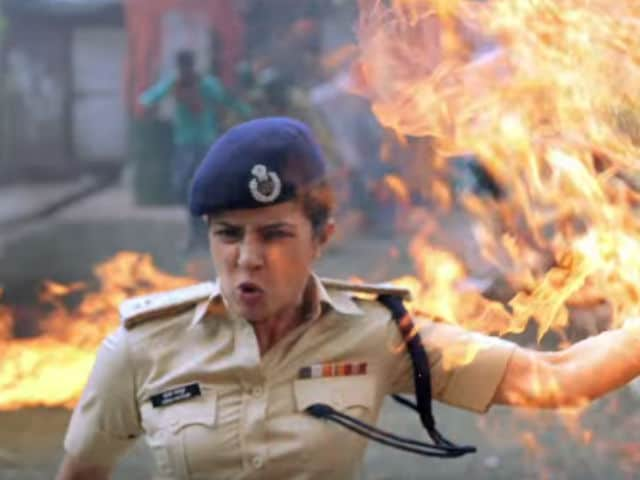 Priyanka Chopra Plays With Fire in New Jai Gangaajal Song. Literally