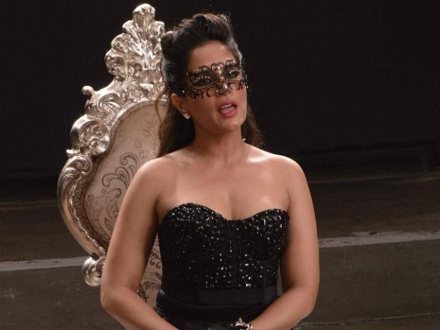 Richa Chadha is the 'Hero' of Cabaret. Pooja Bhatt Explains