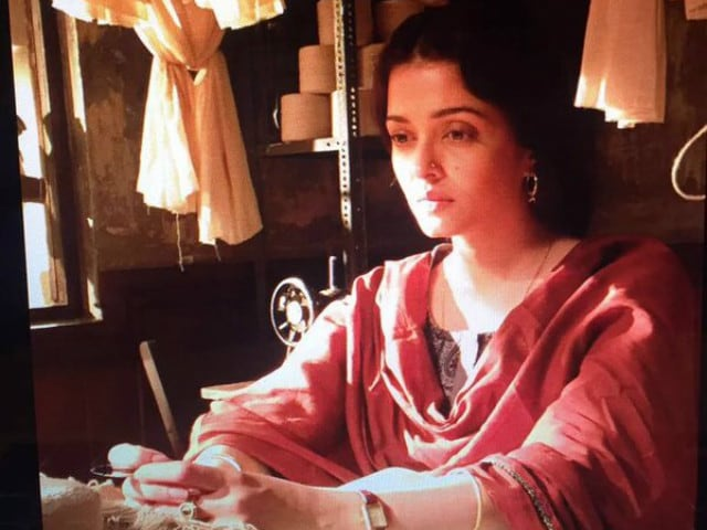 Aishwarya Rai Bachchan's Selfie on the Sets of Sarbjit in Punjab