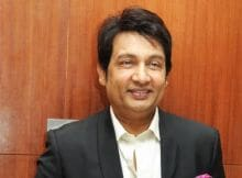 Shekhar Suman Tweets About 'Near-Fatal' Accident While on Stage