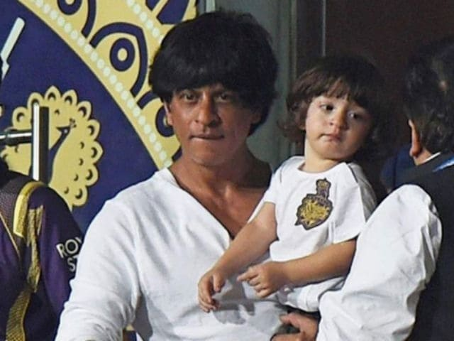 This Shah Rukh Khan, AbRam Moment is Just Too Cute to be True