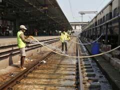 रेल बजट : 'क्लीन माई कोच' सेवा... एक SMS पर होगी डिब्बे की सफाई