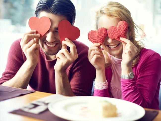 आपके दिल को छू लेंगे प्रेम को व्यक्त करने वाले ये अनमोल कोट्स