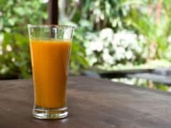 5 Amazing Turmeric Milk (Haldi-Doodh) Benefits: Why Should You Have This Golden Drink