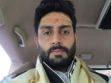 Abhishek Bachchan Prays At Kashi Vishwanath Temple