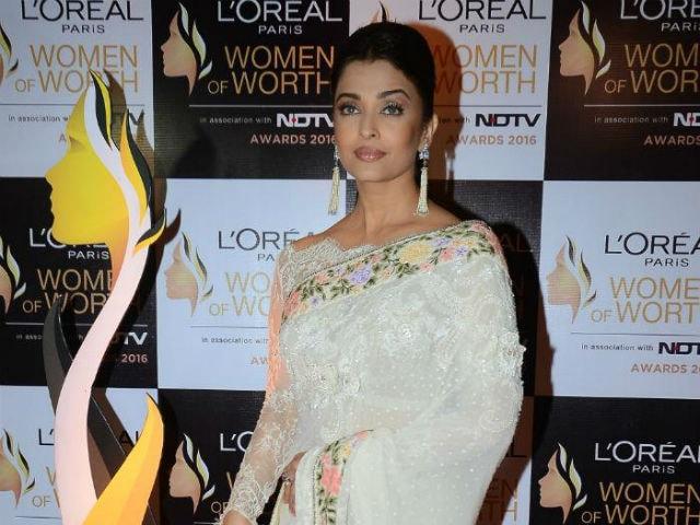 Aishwarya Rai Bachchan 'Very Proud' of Big B's National Award Win