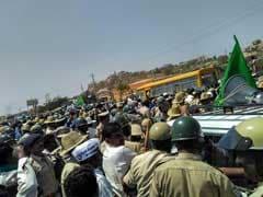 बेंगलुरु : विधानसभा का घेराव करने आए किसानों पर लाठी चार्ज, ट्रैफिक बिगड़ा