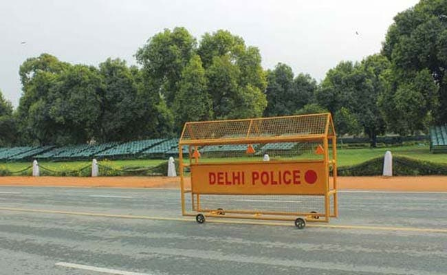 Woman Comes Under Wheels While Getting Down From Bus, Dies In Delhi