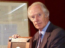 George Martin Dies at 90. Twitter Bids Farewell to 'Fifth Beatle'