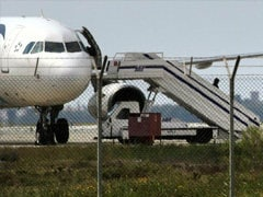 इजिप्ट एयर के अगवा विमान से सभी यात्रियों, क्रू की रिहाई, हाईजैकर गिरफ्तार