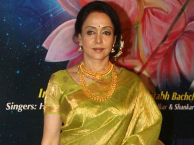 Hema Malini Tweets 'Hats Off To Sri Sri For Wonderful Event'