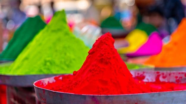 Holi 2017: 8 Ways You Can Protect Your Skin from Harmful Colours ...