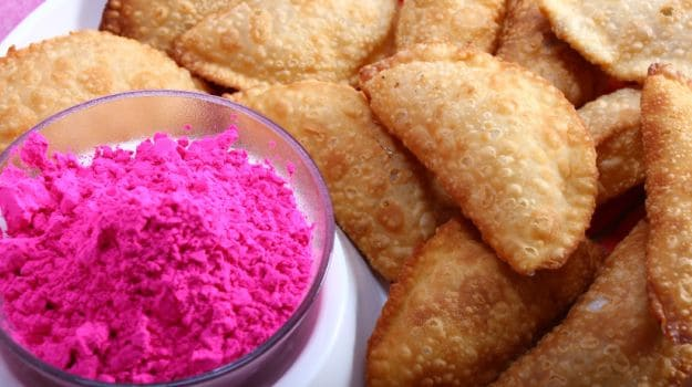 Holi 2018 5 best gujiya recipes ndtv food gujiya recipes this holi make awesome gujiyas at home forumfinder Choice Image