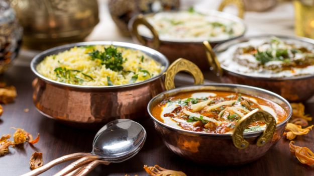 Colonial Food Versus Indian Cuisine: The Play of Spices