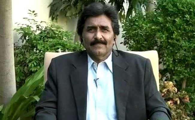 जावेद मियांदाद ने PCB से कहा, 'द्विपक्षीय सीरीज के लिए BCCI से भीख मांगने की जरूरत नहीं है'