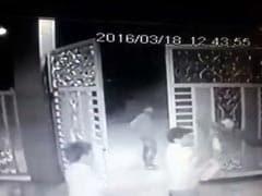 मुंबई : सीसीटीवी में कैद हुई चौकीदार की पिटाई, पांच दिन बाद अस्पताल मे हुई मौत