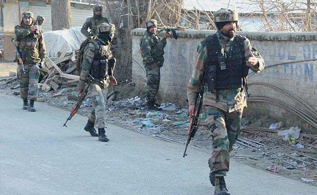 Security Forces Fire Tear Gas After Clashes In Jammu and Kashmir