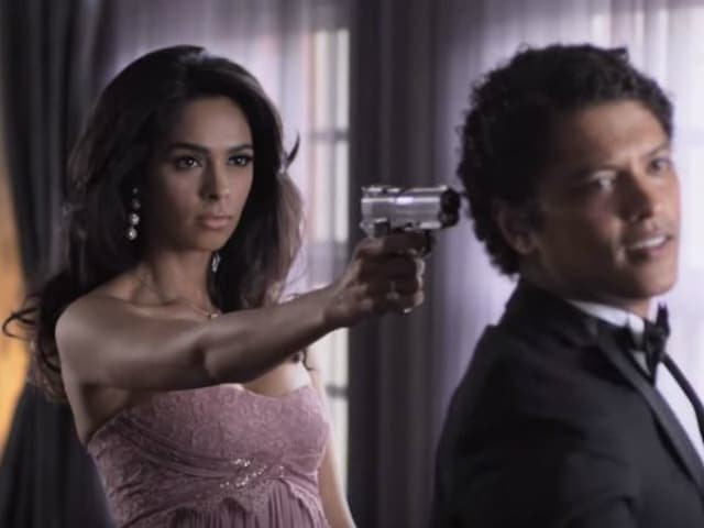 Mallika Sherawat Shares Behind the Scenes Clip of Bruno Mars' Whatta Man