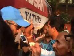 INDvsBAN वर्ल्ड कप टी-20 : 'करो या मरो' वाले मैच से पहले कप्तान धोनी ने खेली होली!