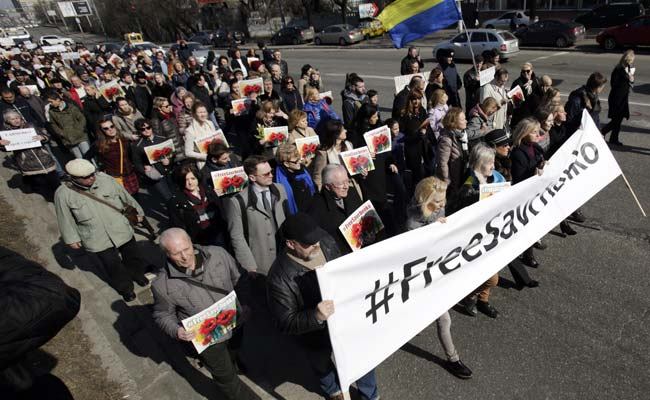 Ukrainians Picket Russian Embassy Over Jailed Pilot
