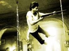 No, Seriously. Incredible 'Flying' Shah Rukh Khan in <I>Raees</i> Pic
